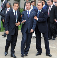 Medvedev, Sarkozy and Berlusconi defamed on photos taken during G8 summit