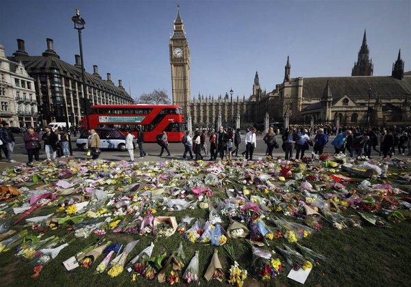 Latest on London: 7 killed in terrorist attack - Turin 1.500 hurt in firecracker scare. 60617.jpeg