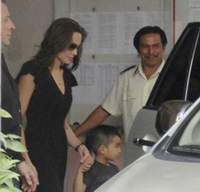 Angelina Jolie's new son fly away from Vietnam to USA