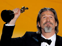 Jeff Bridges Grabs Long-Awaited Oscar