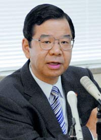 Former Japanese defense minister denies wrongdoing in gifts-for-favors scandal