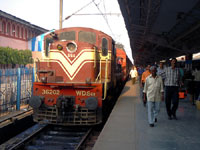 Bomb blast in Indian train kills five passengers