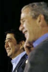 Cheeseburger diplomacy: Abe-Bush munch first-name basis