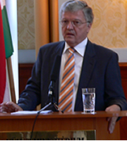 Hungarian foreign minister to hold talks in Kosovo