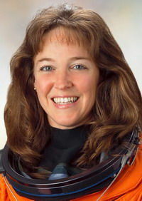 Astronaut Lisa Nowak uses temporary insanity defense in rival case