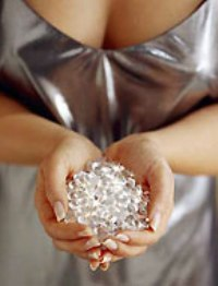 Diamond industry: no gems must fall in teerrorist's hands