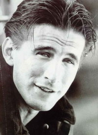 William Baldwin organizes auction to raise funds for his mother's foundation