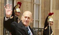 Ehud Olmert's corruption probe unfolds with cross-examination of key witness
