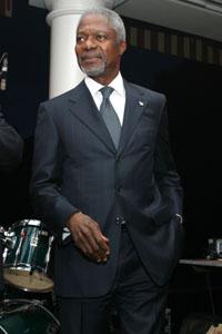U.N. Secretary-General Annan in talks with Vietnamese leaders in Hanoi