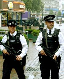 British police arrest 8 in anti-terror raids