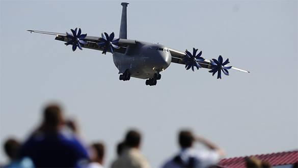 Russia's Il-76 transport aircraft beats Ukrainian An-70. An-70