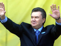 Yanukovych acts as if nothing happens in his country. 51667.jpeg