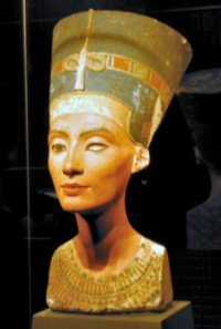 Egypt's antiquities chief fights for ancient bust of Nefertiti