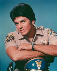 Erik Estrada keep up his reserve police officer status