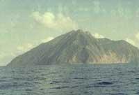 Indonesian volcano Batu Tara starts massive eruption