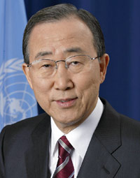 Ban Ki-moon congratulates Al Gore on Nobel prize