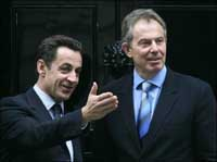 Outgoing British leader Blair awaited in France
