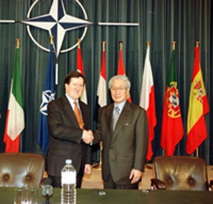 Japan, NATO agree to collaborate for closer security