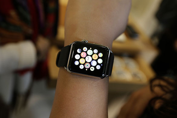 Apple Watch leaves burn marks and rashes. Apple Watch