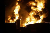 Chemical plant explosion thunders in Iowa