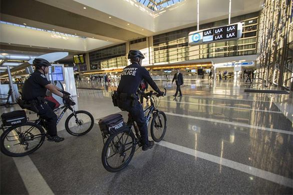 US and Europe toughen security measures at airports. Security alert at US airports