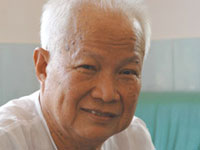 Former Khmer Rouge head of state suffers stroke