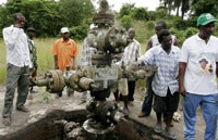 Nigeria's militant group sabotaged two more oil pipelines