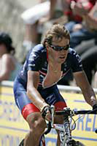 Tour de France: the oldest member of races chasing a record of his own