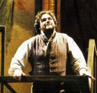 Rising opera star sings Caruso role with arm in a sling in New York City performance