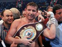 Ibragimov beats aging Holyfield retaining WBO heavyweight title