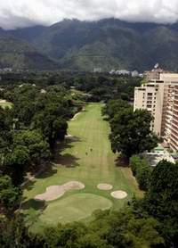 Venezuela: Chavez's government protects private golf courses