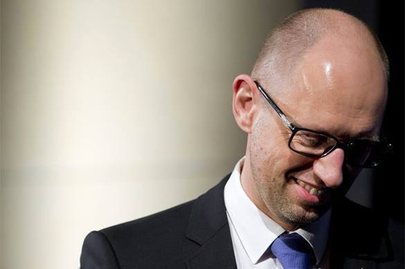 Ukrainian PM tries to look like hero before he becomes prisoner. Arseny Yatsenyuk