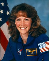 Former U.S. astronaut waited nearly hour at airport for rival she allegedly attacked