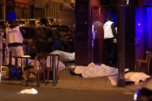 Attacks in Paris: Islamic State terrorists kill over 150. Terror in Paris