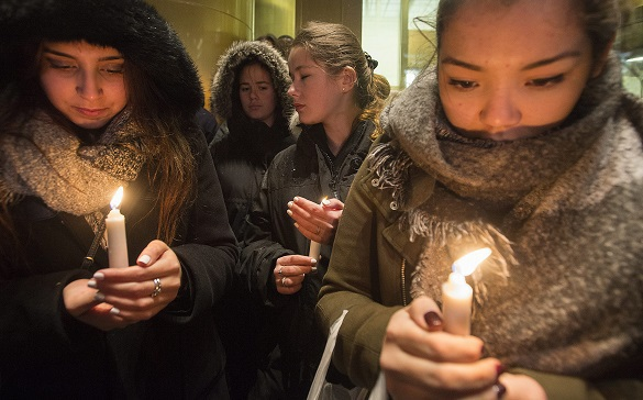 Citizenship of Paris attackers established. People mourn victims of Paris attacks