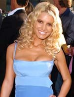 Jessica Simpson's voice cracks during a performance on the `Today' show