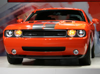 Chrysler gives new life to Challenger SRT8