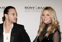 Federline's lawyer wants Britney to pay her ex-husband's legal expenses