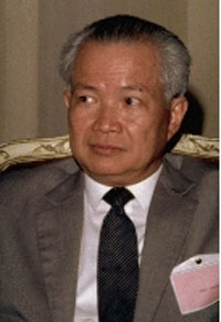 Ex-head of Khmer Rouge goverment suffers a stroke