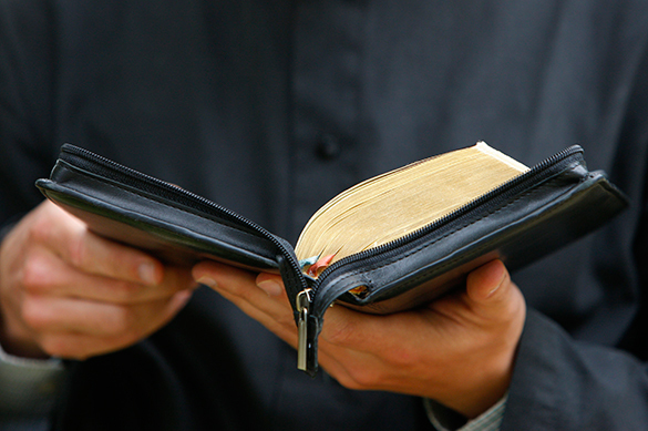 US gay sues  mln for calling homosexualism a sin in Bible translation. Bible