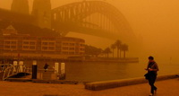Australia : Dust Causes Misery and Chaos