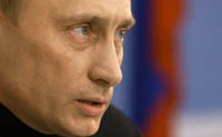 Putin starts political intrigue linked with Russia's new president in 2008