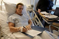 Unproductive year does not diminish Schwarzenegger's popularity
