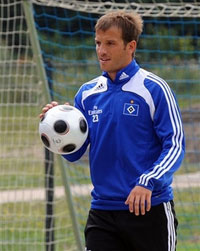 Rafael van der Vaart to join Madrid