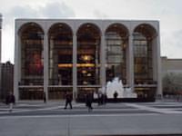 New York's Metropolitan Opera to change tenors