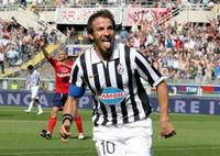Italy's soccer federation cancels Napoli forward Marcello Zalayeta's suspension