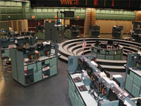 Oil prices rise above USD 53 per barrel