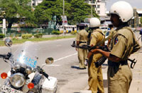 Sri Lankan troops scour Colombo suburbs;7 rebels killed
