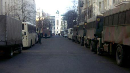 Military equipment awaits Poroshenko at his Administration. Kiev