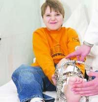 Surgeons offer Ukrainian boy to throw away his own leg